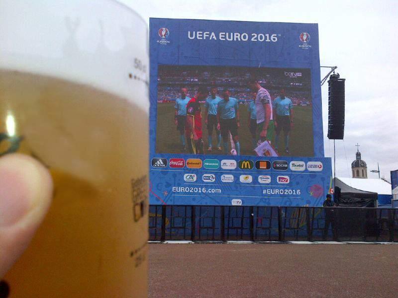 Firesc! Toți bărbații speră să fie prelungiri în finala Euro, ca să stea diseară mai mult la bere