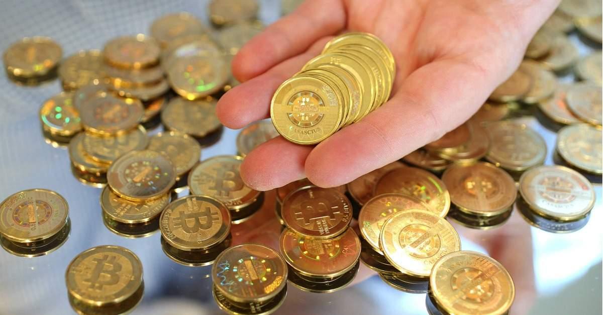 Bitcoin e pentru fraieri! Un român a cumpărat ROBOR acum un an, când era 1 şi un pic, şi acum îl dă cu 3