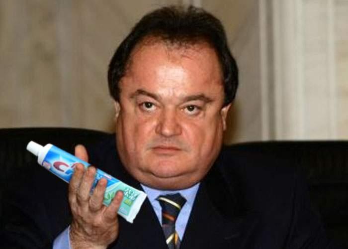 """Specialiștii îl avertizează pe Vasile Blaga: """"Unificarea excesivă a dreptei poate duce la orbire""""!"""