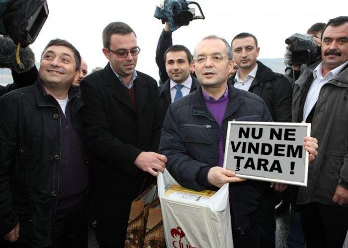"""Emil Boc: """"Trebuie să curăţăm odată ţara asta de investitori străini"""""""