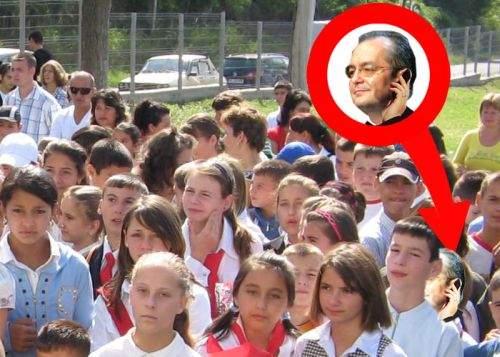 Emil Boc, urecheat din greşeală de profesoara copiilor săi