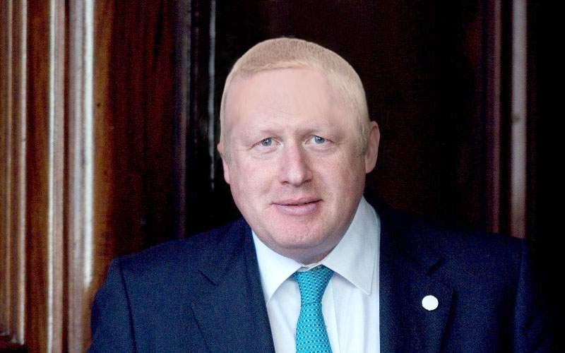 Starea lui Boris Johnson se agravează! Medicii, nevoiţi să-l tundă ca să-i salveze viaţa