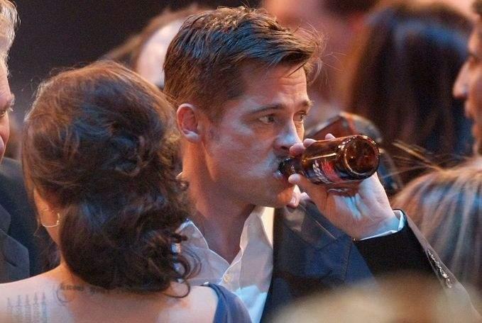 În Vaslui s-au interzis filmele cu Brad Pitt, după ce s-a aflat că actorul s-a lăsat de băut