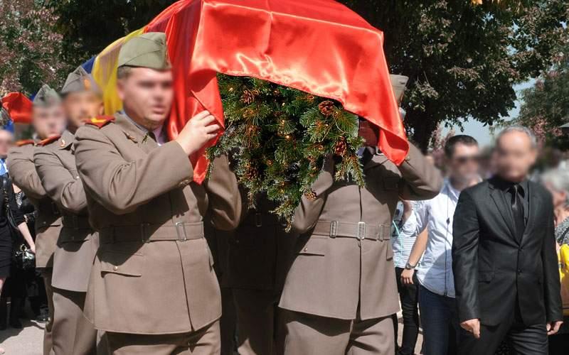 Iohannis a pus din greşeală o decoraţie în brad şi acum trebuie aruncat cu onoruri militare