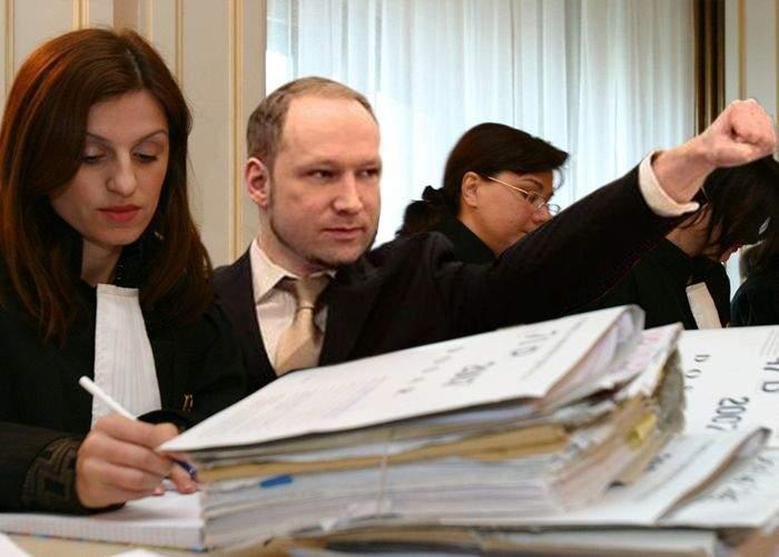 Breivik a obţinut strămutarea procesului în România, unde justiţia chiar funcţionează