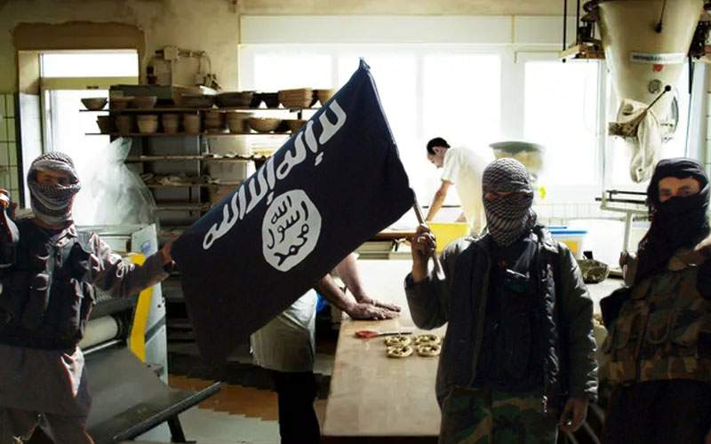 Sătui de scandal, patronii brutăriei din Ditrău au angajat direct 3 terorişti ISIS