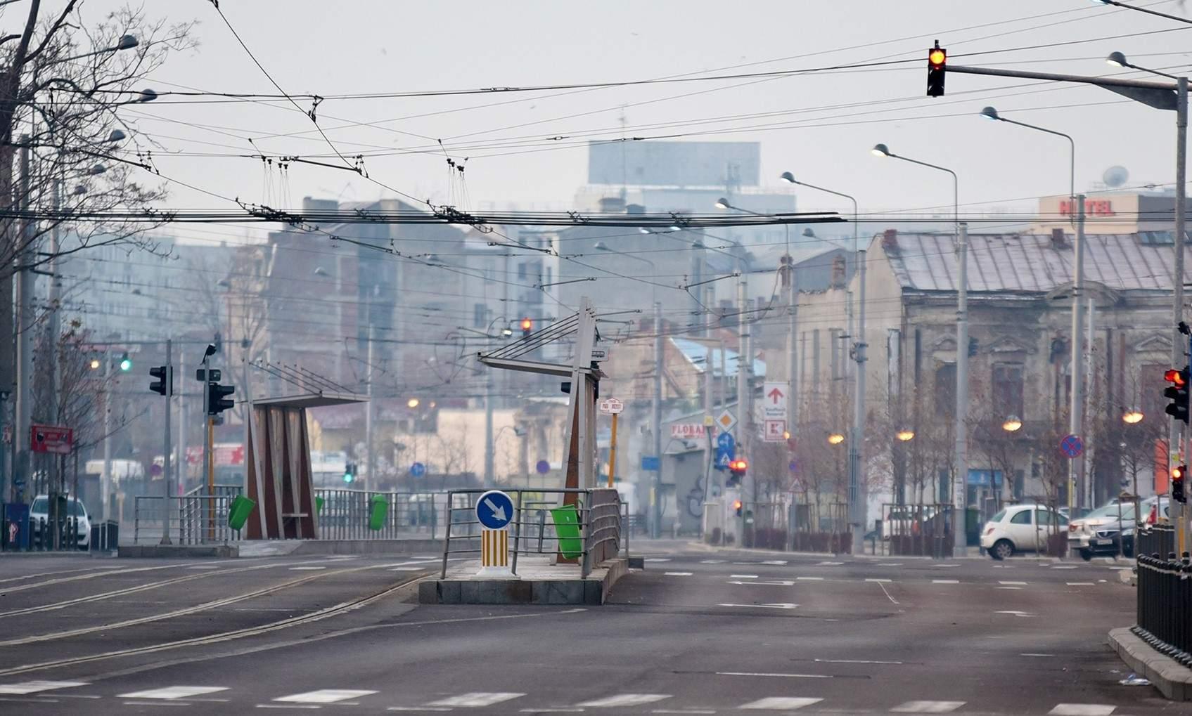 Bucureştiul, atât de pustiu azi încât niciun tramvai nu s-a ciocnit cu niciun BMW