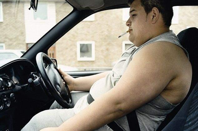 Studiu: La o maşină normală, 90% din benzină se consumă pentru a transporta burta şoferului