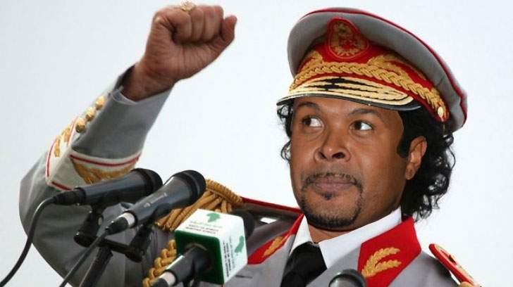"""EBA plusează: """"Dacă Macovei s-a comparat cu Mandela, eu sunt ca dictatorul african Cabral"""""""