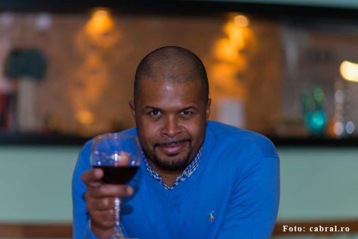 Niciun bărbat nu se întinde cu Cabral la băutură, de frică să nu se ajungă la momentul ăla când și le măsoară