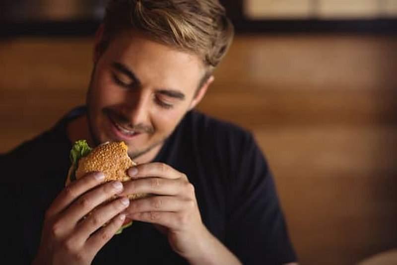 McDonald's retrage de pe piaţă hamhamburgerul, din motive nespecificate