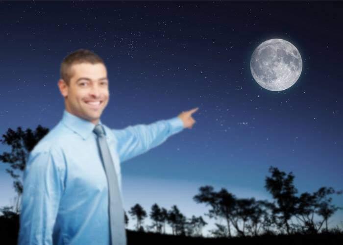 Un astronom din Caracal a descoperit un obiect ceresc mare și rotund, care apare doar noaptea