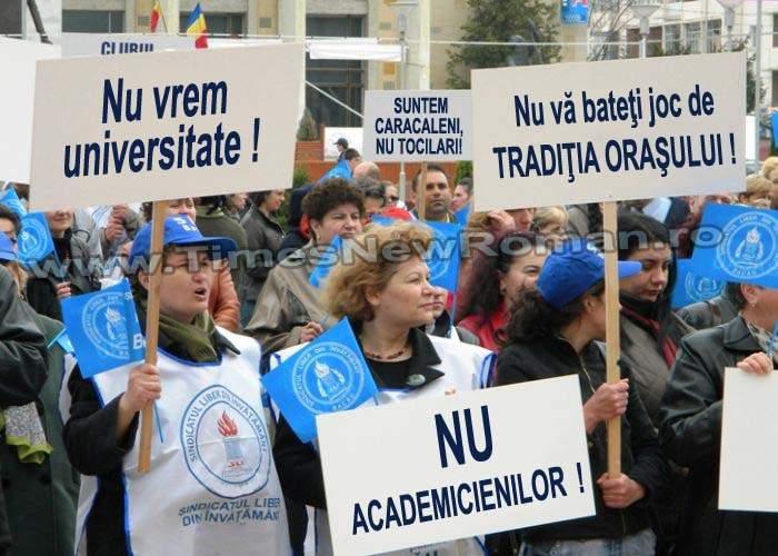 Caracalenii protestează împotriva înfiinţării unei universităţi în oraşul lor