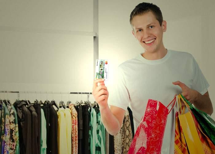 Un bărbat are un card de economii care se dezactivează când intri în magazine de haine sau cosmetice