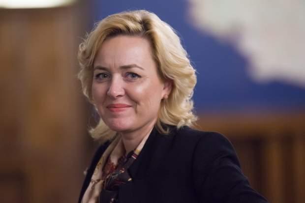 Sindicatul Secretarelor a exclus-o pe Carmen Dan pentru că le face profesia de ruşine