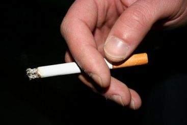 Guvernul pune accize pe chibrituri și brichete pentru a descuraja fumatul