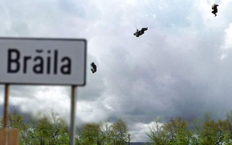 DSP Galați a instalat o catapultă cu care aruncă suspecții de Covid direct în Brăila