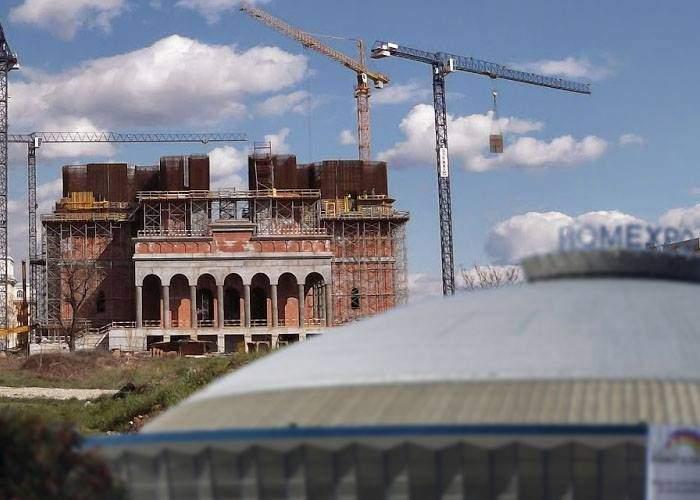 Ca să nu mai facă musulmanii moschee pe Expoziţiei, românii fac acolo o mega-catedrală