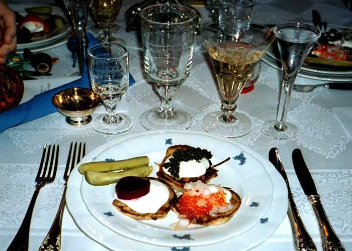 Veşti bune! După pâine, guvernul va scădea TVA-ul şi la caviar, homar, stridii şi servicii de spa