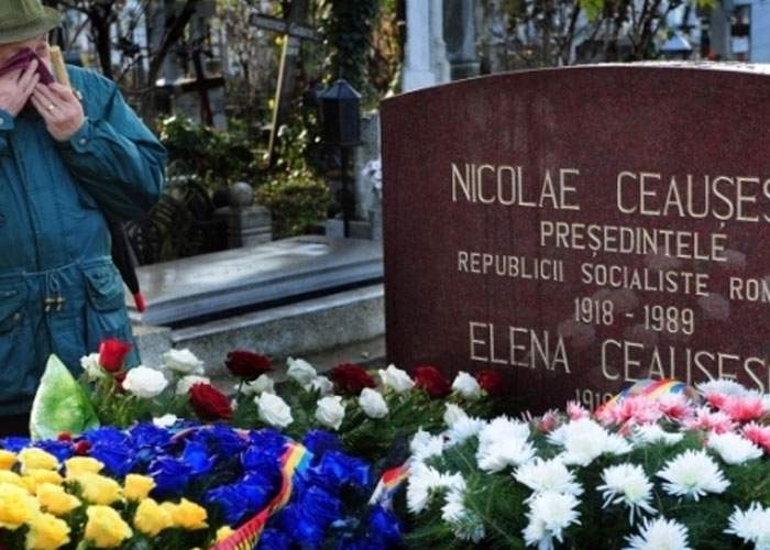 Nicolae Ceauşescu, deshumat după ce a câştigat alegerile pentru Senat în judeţul Olt