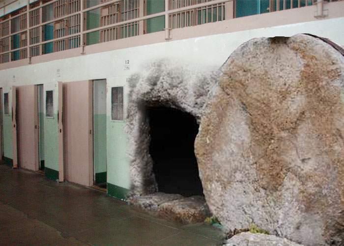 Minune la Poarta Albă! Paznicii au găsit lespedea de la celula lui Gigi Becali dată la o parte