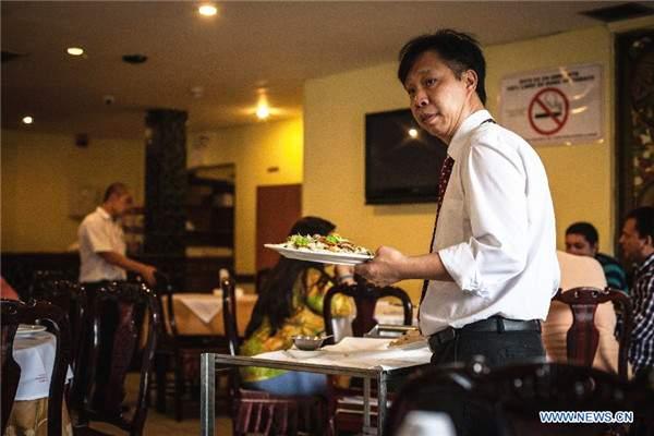 Măsuri dure! Chelnerii de la restaurantele chinezeşti nu mai au voie să scuipe în mâncare