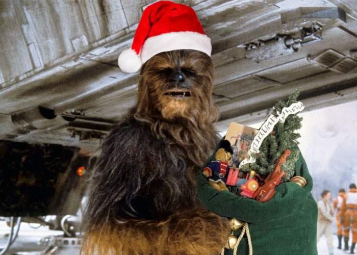 După Moş Nicolae, românii îl aşteaptă pe Moş Chewbacca, să le pună în ghete bilete la noul Star Wars