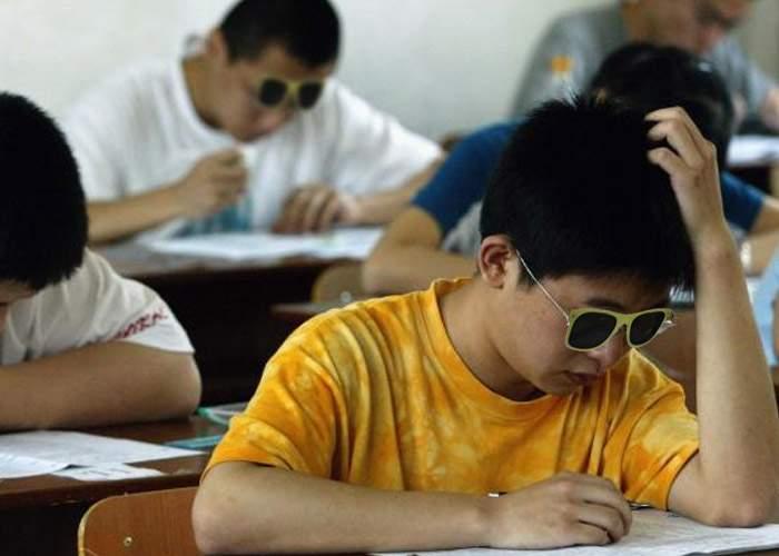 Fraudă masivă la Bac! Mii de elevi au trimis în locul lor la proba română scris chinezi şi taiwanezi