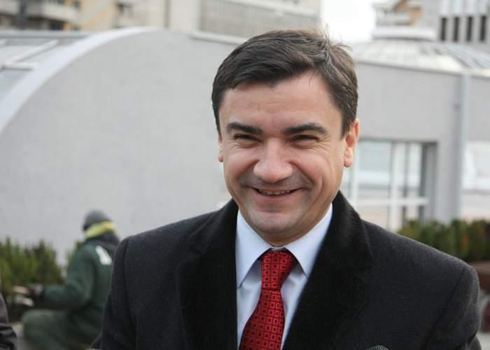 Chirică, primarul Iaşiului, explică de ce nu lasă copiii să bea apă de la robinet: Sunt moldovean, le dau vin!