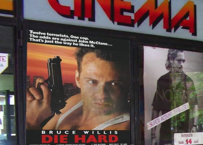 Cu sala arhiplină! Un cinema din Mizil a aplicat reţeta ProTv şi a proiectat Die Hard şi Home Alone