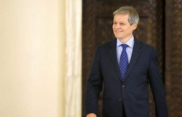 Cioloş, extrem de relaxat în Parlament: Greu e când dai explicații în fața soției, nu a senatorilor