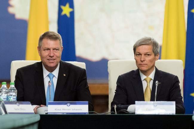 """Cioloş îl refuză pe Iohannis: """"Dacă mă înscriu în PNL şi elimin toţi corupţii, rămân singur"""""""