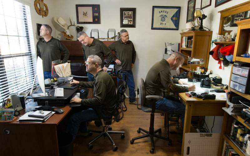 Nepotism extrem la Institutul de Genetică: 174 de angajaţi sunt clone ale directorului