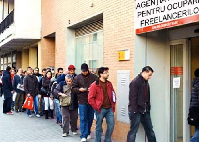 Mii de freelanceri s-au îngrămădit să îşi ridice ajutorul de freelancing de la stat
