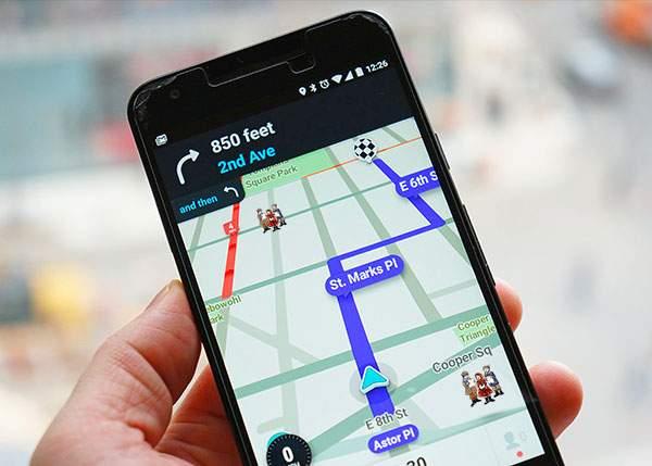 Utilizatorii Waze vor putea semnala şi poziţia colindătorilor, ca să te ferești de ei