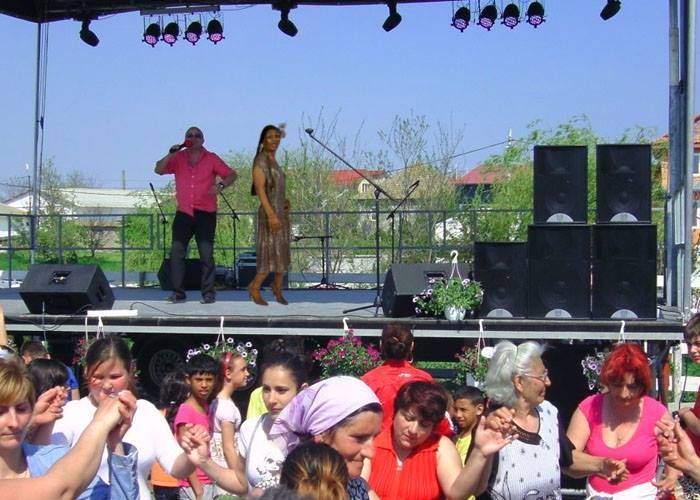 Început în forță! În nici două săptămâni Bonnie M a susținut deja 40 concerte în România