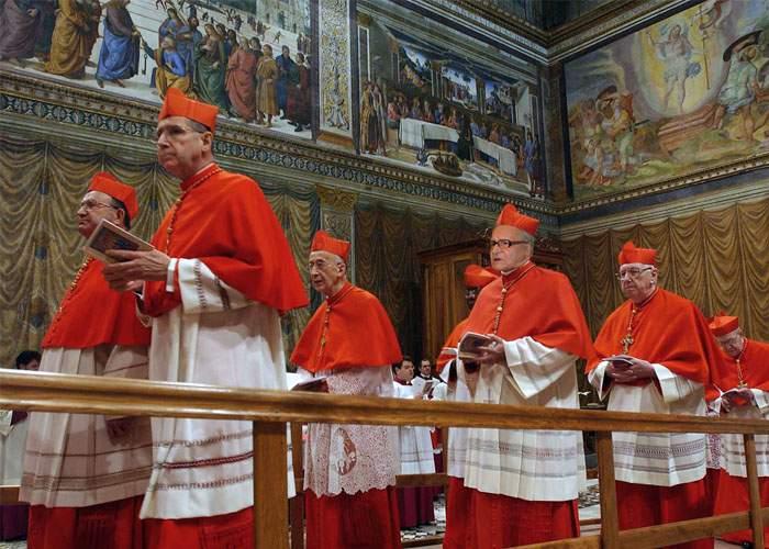 Urmează zile grele pentru noul papă: trebuie să dea de băut cardinalilor ce l-au votat