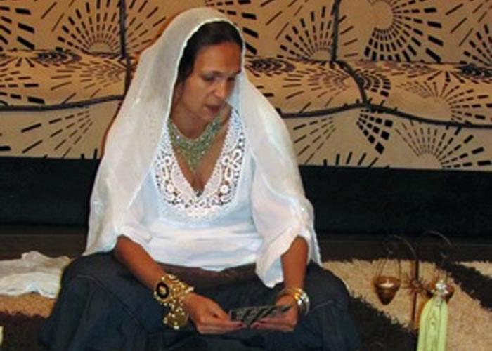Bianca Drăguşanu a mers la ghicitoare ca să afle cu cine e cuplată de fapt: cu Cristea sau cu Slav