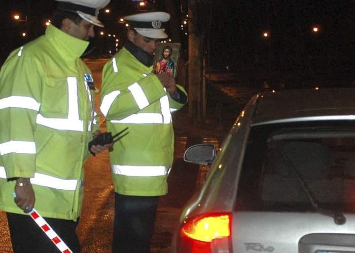 Poliţia derulează ample controale în trafic, sunt vizaţi şoferii fără iconiţe în parbriz