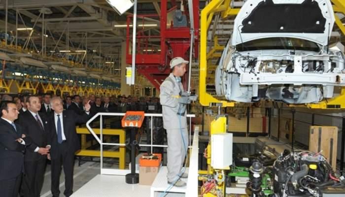 Viitorul e al roboţilor. La Dacia vor fi angajaţi 50.000 de corporatişti pe linia de asamblare