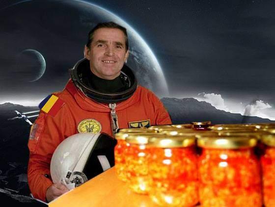 Cosmonautul român de pe Staţia Spaţială a primit azi zacuscă de la părinţi, cu o rachetă Soyuz