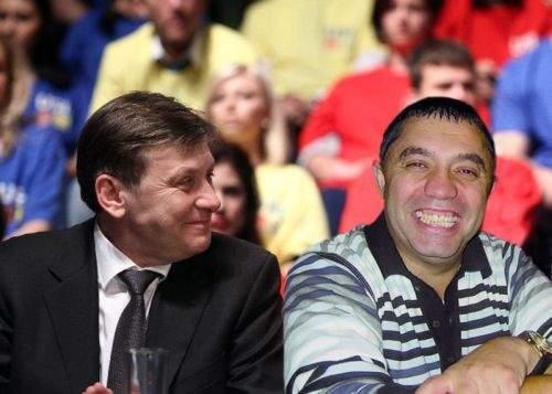 Crin Antonescu l-a ales pe Nicolae Guţă ca să compună imnul de campanie al PNL