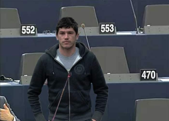 """Cristi Tănase, în locul lui Gigi Becali în Parlamentul European: """"E oligofrenul ideal"""", spune Gigi"""