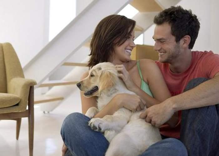 Cuplurile care deţin câine se înţeleg mai bine. De multe ori, câinele traduce ce spune soţul