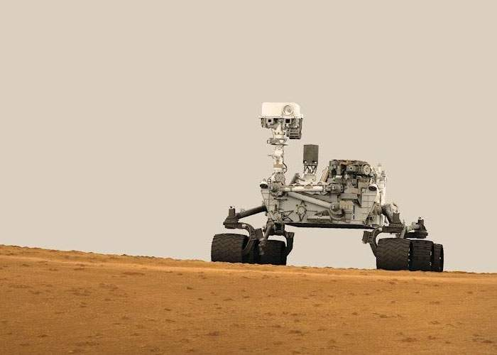 Robotul Curiosity de pe Marte, mesaj pentru omenire: Baftă, băieți!