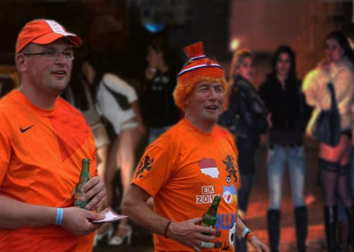 Fanii olandezi, surprinşi că în Bucureşti există mai multe curve ca în Amsterdam