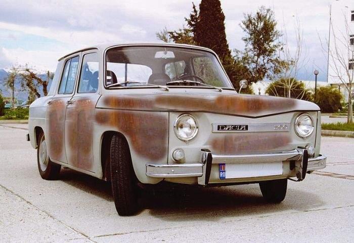 Prima maşină Dacia împlineşte 50 de ani! A fost mâncată de rugină doar pe jumătate, pentru că rugina s-a stricat