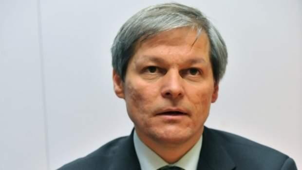 Cioloş, exclus din USR-PLUS după ce testele ADN au arătat că nu e fiul lui Soros