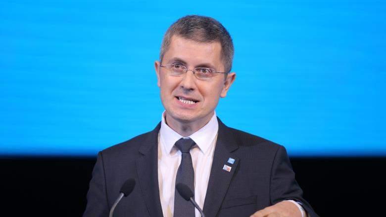 Bătut de Dăncilă, Barna va face turul filialelor USR, ca să râdă toți personal de el