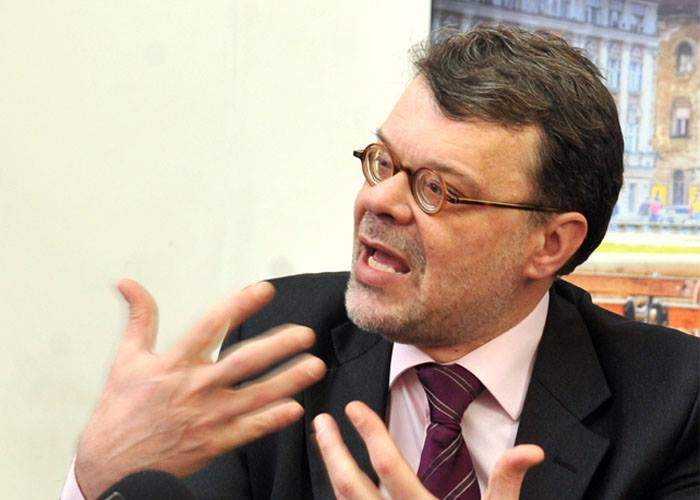 Daniel Barbu insistă că e riscant să fii politician! Nu, bă, e riscant să fii prost!
